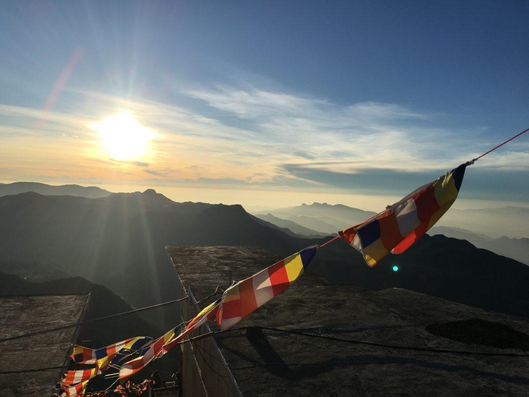 007 – Sri Lanka. Gott ein wenig näher auf dem Adams Peak oder: wie die Erleuchtung schwer erkämpft werden will