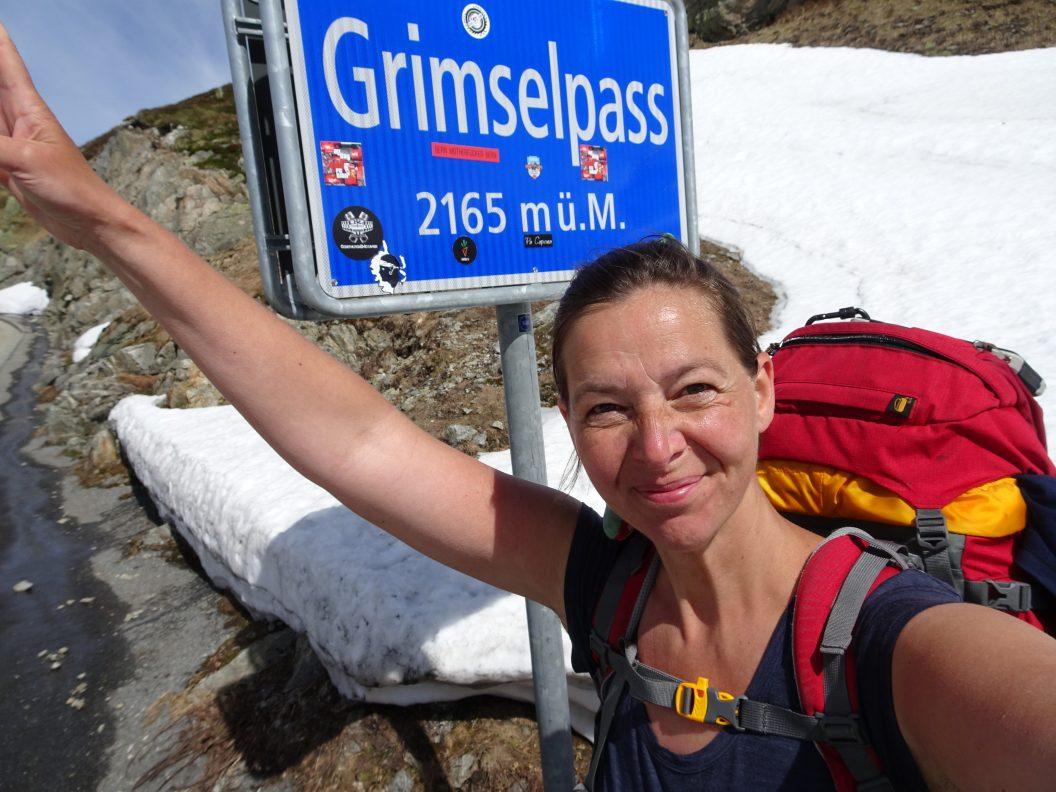040 – Mein Abenteuer Alpenüberquerung – den Grimselpass in Rekordzeit und den Tag oben auf dem Pass genossen