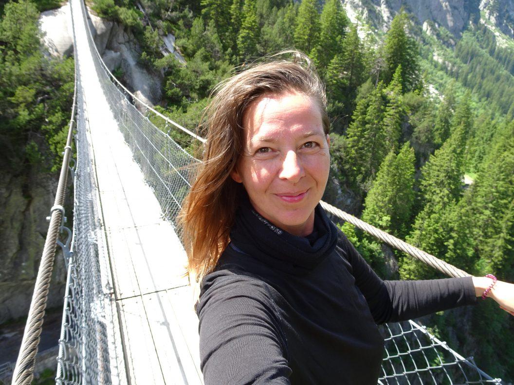 041 – Mein Abenteuer Alpenüberquerung – Den Grimselpass runter und weiter der Aare entlang
