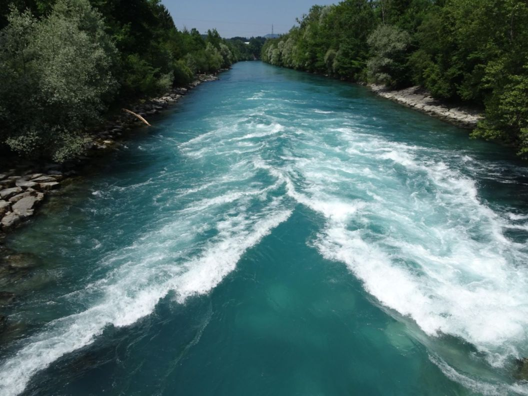 073 - Aareböötlen bei schönstem Wetter | Mit dem Schlauchboot die Aare nach Bern