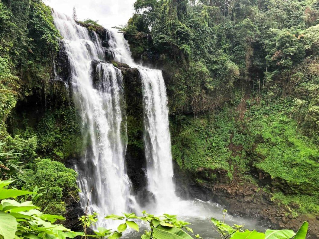087 – Abenteuer Laos – Mr. Koffie, Wasserfälle en masse und wieder eine Planänderung