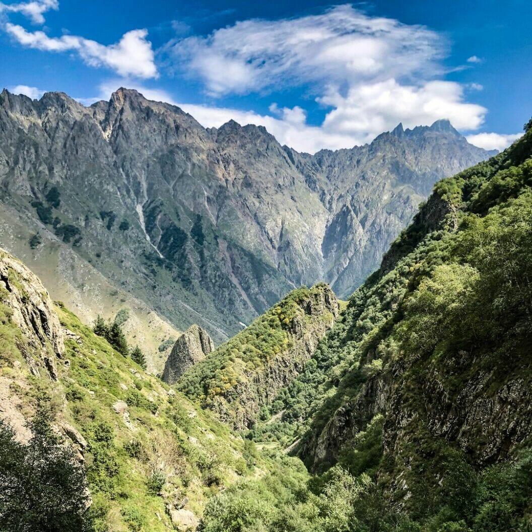 grosse reise 🏍 tag 354 puschkin schreibt der kaukasus nahm uns in sein heiligtum auf. wir hoerten